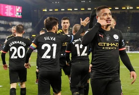 """Pep Guardiola: """"Cuộc đua vô địch đã kết thúc!"""" ảnh 1"""