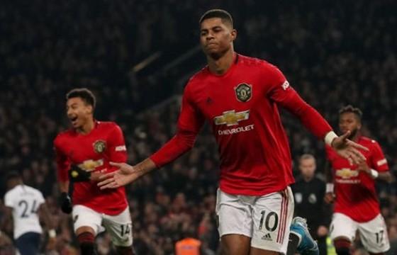 Liverpool thống trị derby, Leicester thắng trận thứ 7 liên tiếp ảnh 1