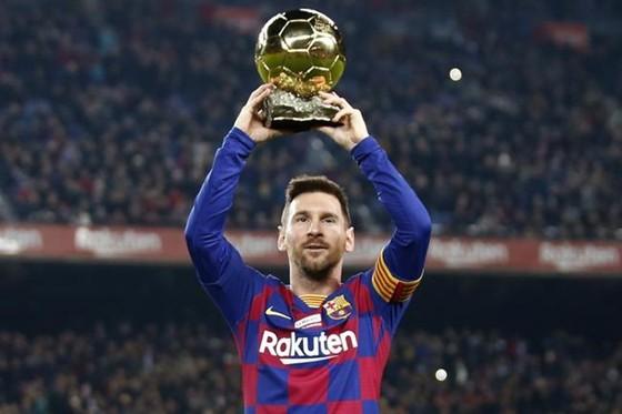 Lionel Messi tỏa sáng ngay sau khi giành Quả bóng vàng thứ 6. Ảnh: Getty Images