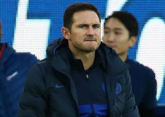 HLV Frank Lampard thất vọng khi một lần nữa Chelsea gục ngã trên sân nhà. Ảnh: Getty Images