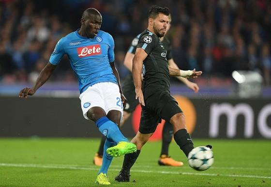 Kalidou Koulibaly gây ấn tượng khi đối đầu Man.City ở Champions League. Ảnh: Getty Images
