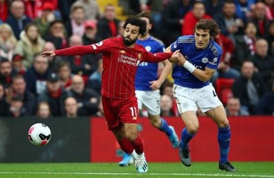 Liverpool hưởng lợi, HLV Klopp ngượng ngùng xoa dịu đối thủ ảnh 1