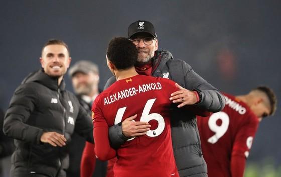Liverpool đơn giản là không thể ngăn nổi ảnh 1