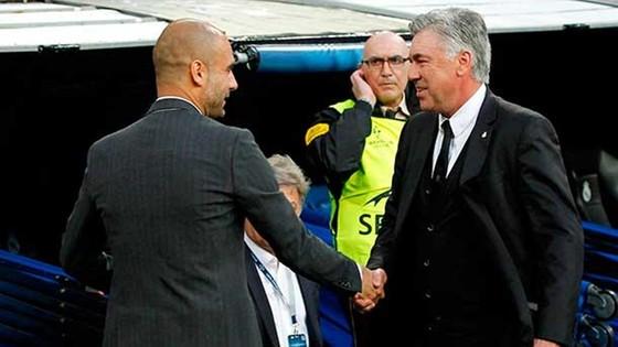 HLV Carlo Ancelotti phải đánh giá rất cao năng lực của Pep Guardiola. Ảnh: Getty Images