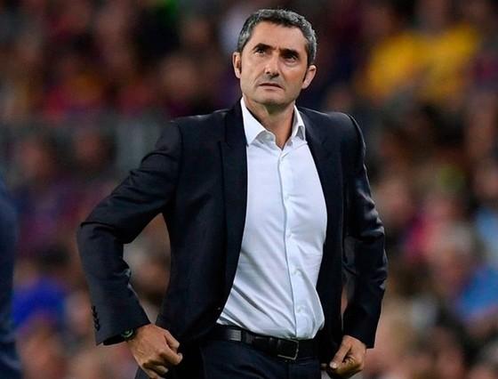 Barca thua ngược ở Siêu cúp, HLV Valverde lo lắng tương lai ảnh 1
