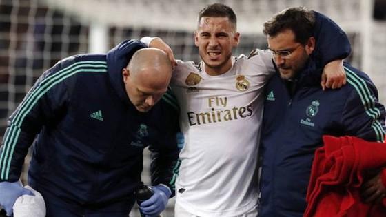 Eden Hazard sau niềm vui hiếm hoi ghi bàn. Ảnh: Getty Images