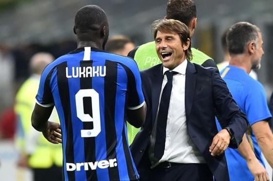 Romelu Lukaku là thương vụ thành công, nhưng cũng tiêu tốn quá nhiều tiền của Inter. Ảnh: Getty Images