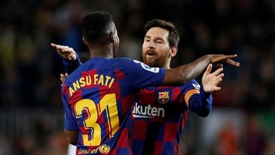Sao trẻ Barca lại ghi tên mình vào lịch sử ảnh 1