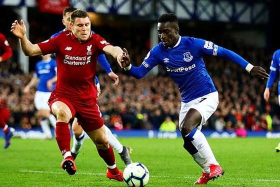 Derby Merseyside cuối tuần này vẫn diễn ra và Liverpool có cơ hội tiền gần hơn đến danh hiệu. Ảnh: Getty Images