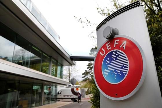 Trụ sở UEFA thật sự đang trong những ngày đầy biến động.