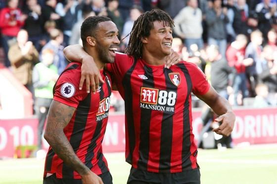 Bournemouth là đội mới nhất giữ lại công việc cho nhân viên. Ảnh: Getty Images