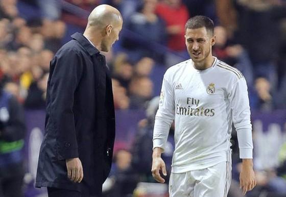 HLV Zinedine Zidane chắc chắn hy vọng Eden Hazard có thể sớm trở lại và tạo nên tác động quan trọng. Ảnh: Getty Images