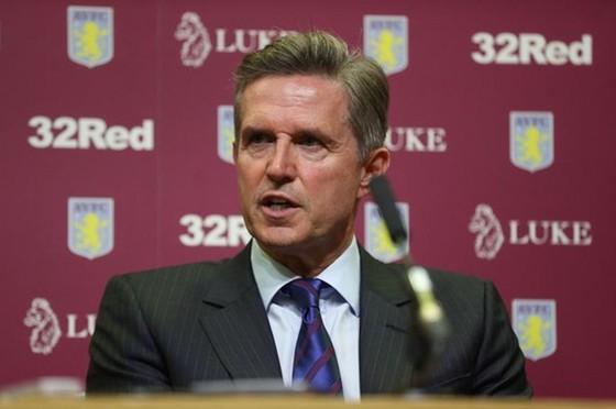 Ngày trở lại của Premier League vẫn trắc trở từ phản đối của nhiều đội bóng nhỏ như Aston Villa của Christian Purslow. Ảnh: Getty Images