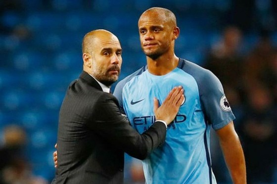 Vincent Kompany từ chối cơ hội làm trợ lý của Pep Guardiola tại Man.City. Ảnh: Getty Images