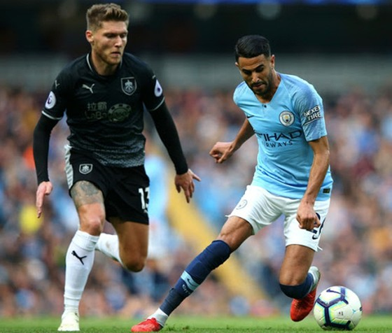 Man.City và Burnley khép lại vòng đấu đầu tiên trong sự tích cực từ nỗi lo dịch bệnh. Ảnh: Getty Images