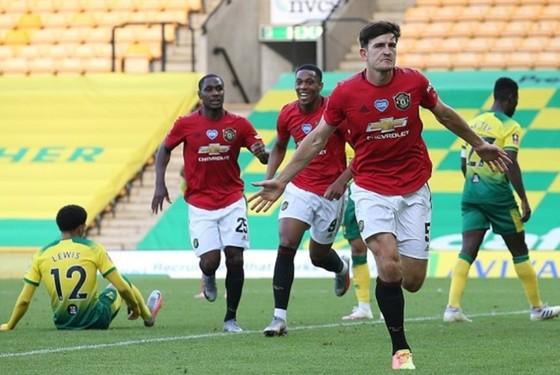 Harry Maguire ghi bàn thắng vàng giúp Man.United vào bán kết. Ảnh: Getty Images