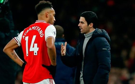 Aubameyang chắc chắn ở lại Arsenal ảnh 1