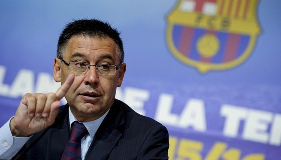 Chủ tịch Barcelona, Josep Maria Bartomeu công khai chỉ trích VAR. Ảnh: Getty Images