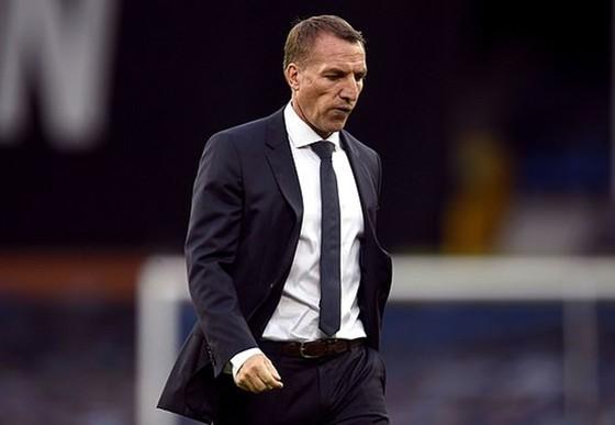 """HLV Brendan Rodgers chỉ trích thảm bại 1-4 trên sân Bournemouth là màn trình diễn """"không thể chấp nhận được"""". Ảnh: Getty Images"""