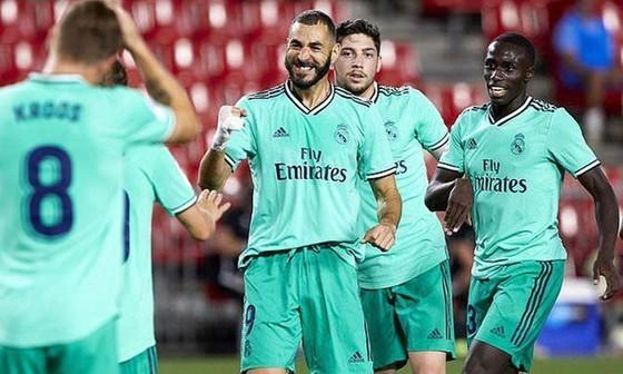 HLV Zinedine Zidane và các học trò đã tiến sát danh hiệu La Liga. Ảnh: Getty Images