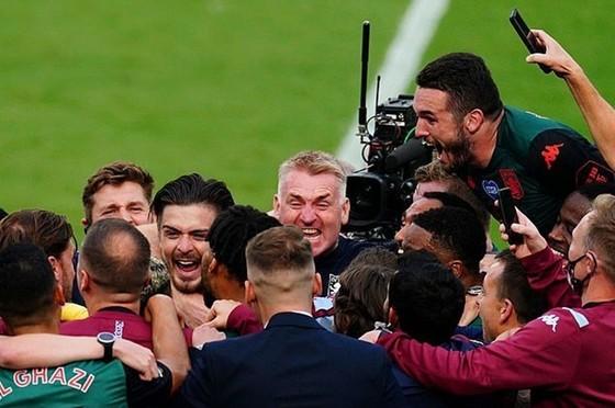 Kết thúc mùa giải Premier League dài nhất lịch sử ảnh 1
