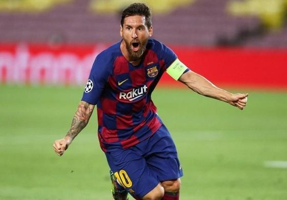 Không thể so sánh Lewandowski và Messi ảnh 1