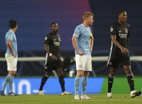 Guardiola cay đắng khi lần thứ 3 liên tiếp dừng bước ở tứ kết ảnh 1