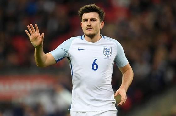 Harry Maguire gánh chịu hậu quả nặng nề là bị gạt tên khỏi tuyển Anh sau những rắc rối không đáng. Ảnh: Getty Images