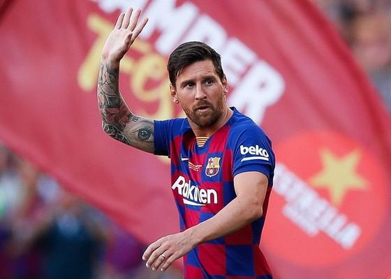 Lionel Messi cho thấy anh đã sẵn sàng rời Barcelona. Ảnh: Getty Images