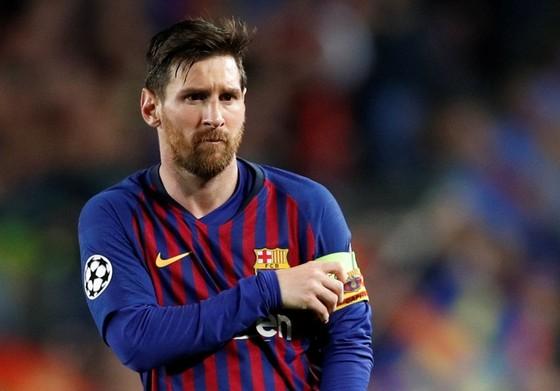 Lionel Messi muốn thoát khỏi gánh nặng đội trưởng ở Barca. Ảnh: Getty Images
