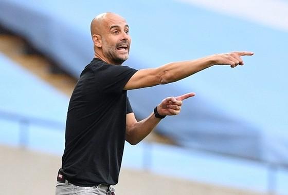 HLV Pep Guardiola đã sớm đau đầu trước cơn khủng hoảng nhân sự. Ảnh: Getty Images