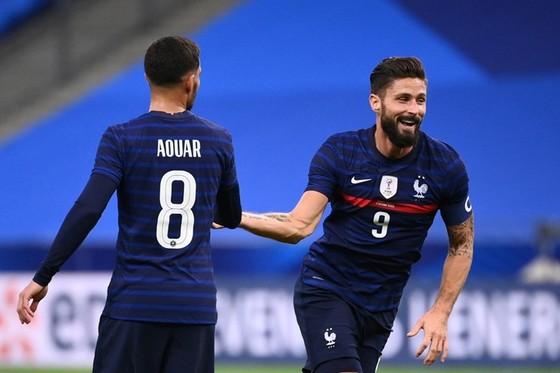 Olivier Giroud ghi cú đúp để vượt qua huyền thoại Michel Platini vươn lên vị trí thứ 2 các chân sút vĩ đại nhất tuyển Pháp. Ảnh: Getty Images