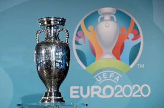 EURO 2020 gần như không thể diễn ra theo định dạng vốn có.