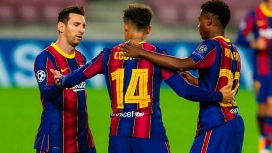 Rashford lại giúp Man.United nhấn chìm Paris SG, Barca thắng tưng bừng ảnh 1