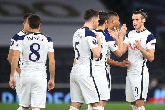 Gareth Bale đá chính lần đầu tiên giúp Tottenham khởi đầu thuận lợi. Ảnh: Getty Images