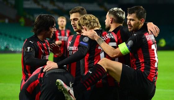 Europa League: Tottenham thua sốc, Arsenal và Leicester tiếp tục thắng, AC Milan tiếp tục bất bại  ảnh 1