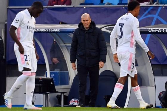 HLV Zinedine Zidane vẫn chưa tìm thấy sự ổn định cho Real Madrid tại Champions League.