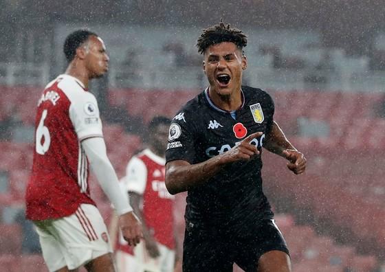Aston Villa tiếp tục gây sốc khi thắng 3-0 ngay tại Emirates. Ảnh: Getty Images