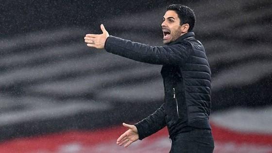 Arsenal thua sốc trên sân nhà, HLV Arteta nhận trách nhiệm ảnh 1