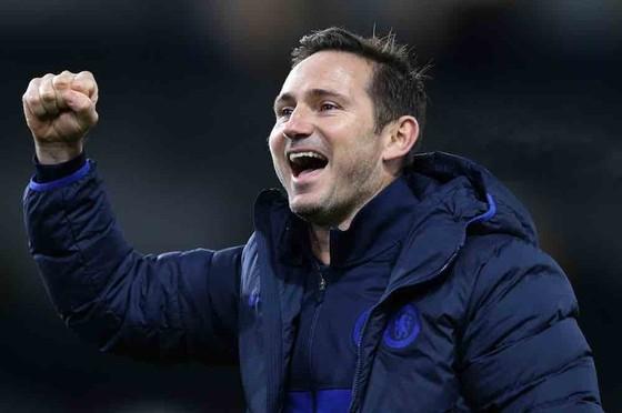 Lampard tán dương tân binh, nhưng thận trọng về cơ hội đua tranh danh hiệu ảnh 1