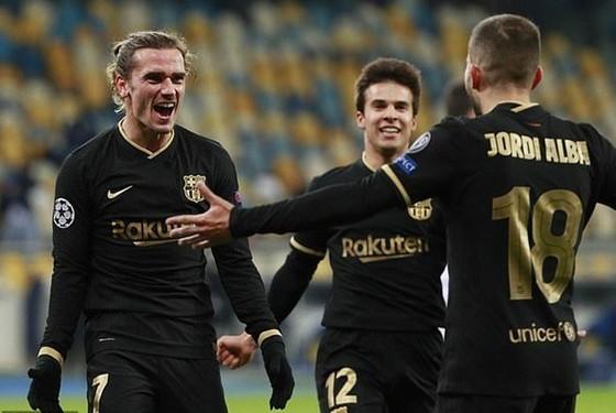 Barca, Chelsea, Juve và Sevilla sớm giành vé vào vòng 1/8 ảnh 1