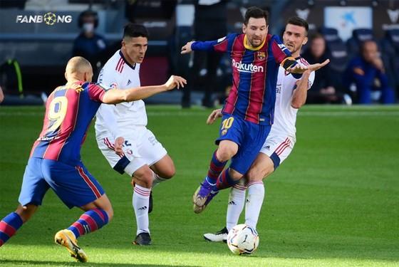 Messi ghi bàn tri ân Maradona ảnh 1