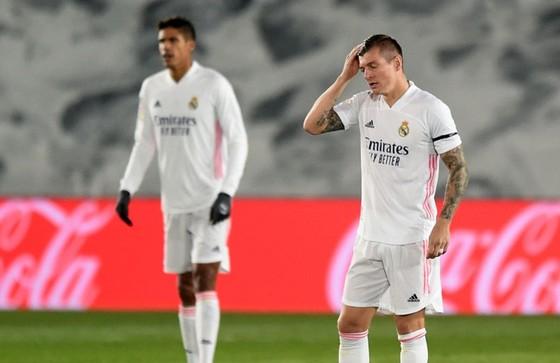 """HLV Zidane tuyên bố sau trận thua Shakhtar: """"Tôi không từ chức!"""" ảnh 1"""