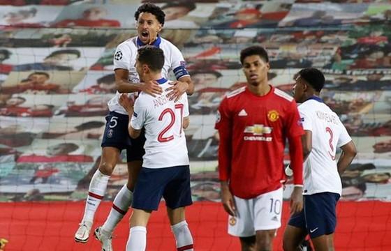 Man.United thua Paris SG và rơi vào hoàn cảnh khó khăn trước lượt trận cuối. Ảnh: Getty Images