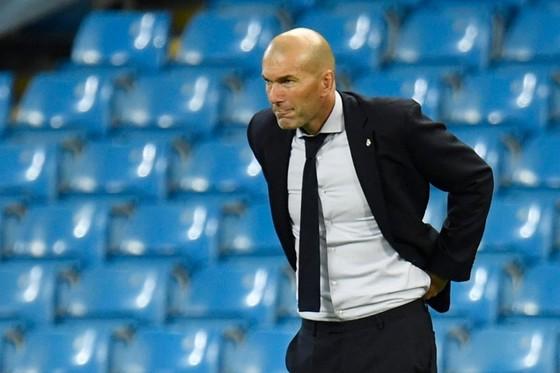 HLV Zinedine Zidane cố duy trì sự tập trung cho các học trò.
