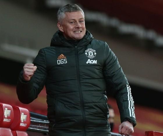 Hủy diệt Leeds, Man.United vươn lên hạng 3 ảnh 1