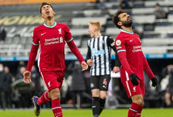 Thất vọng là hình ảnh chủ đạo của các chân sút Liverpool. Ảnh: Getty Images