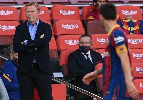 HLV Ronald Koeman không có khởi đầu dúng như mong đợi tại Barca.