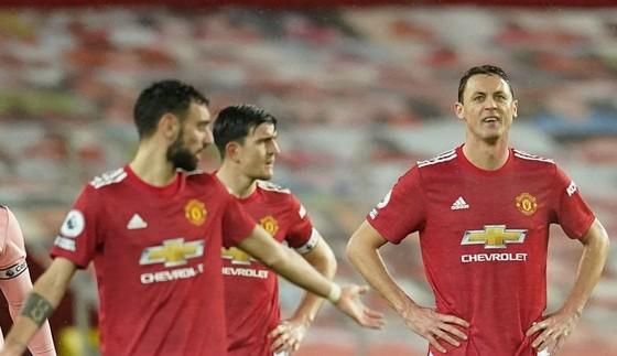 Man.United rõ ràng thất vọng với bản thân sau thất bại đáng tiếc này. Ảnh: Getty Images
