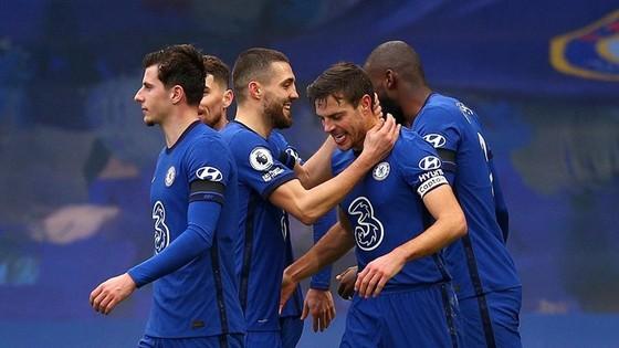 Hàng công giúp Liverpool trỗi dậy, hàng thủ giúp tân HLV Tuchel thắng trận đầu ảnh 1